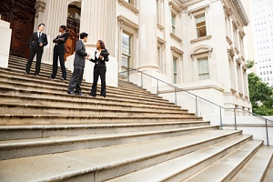 people using government contracting it strategy