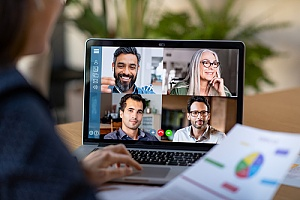 Employees contacting via web chat while working remotely